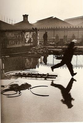 s-アンリ・カルティエ=ブレッソン サン=ラザール駅 1932.jpg