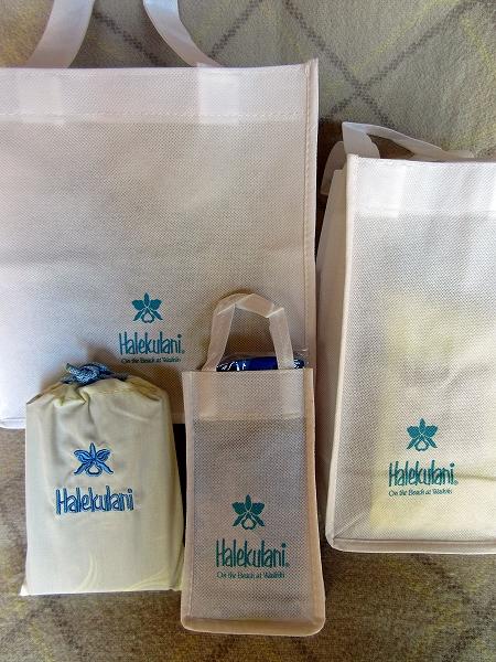 s-ハレクラニ お土産の袋.jpg