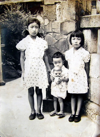 s-姉弟揃って 1953年頃.jpg