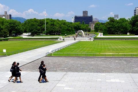 s-広島平和記念公園・現代.jpg